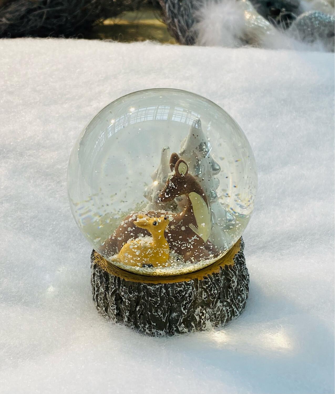 Boule de neige biche Noël