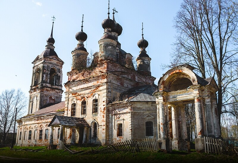 550+ Abandoned Cathedrals & Villages Reference Pictures