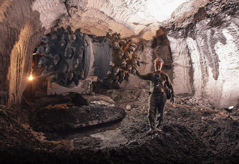 400+ Mines and Machinery Reference Pictures