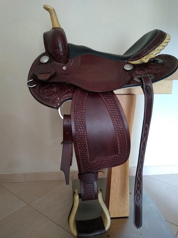 Sella Western FENDER Saddle con arcione in fibra di vetro Cod. USA 228 consegna a domicilio e assicurazione INCLUSO