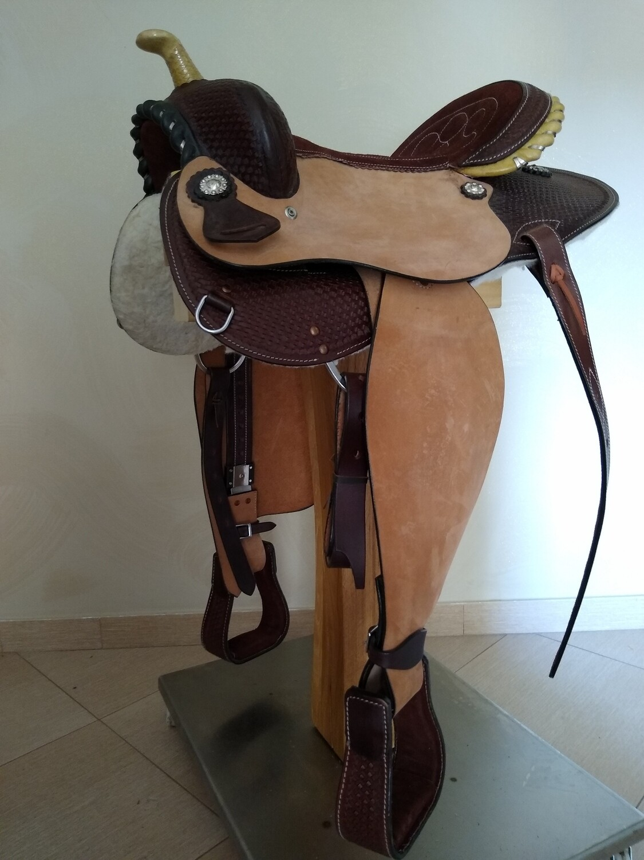 Sella Western FENDER Saddle con arcione in fibra di vetro Cod. USA 230 consegna a domicilio e assicurazione INCLUSO