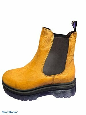 Chelsea Plateau Boot yellow