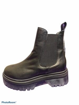 Chelsea Plateau Boot Black