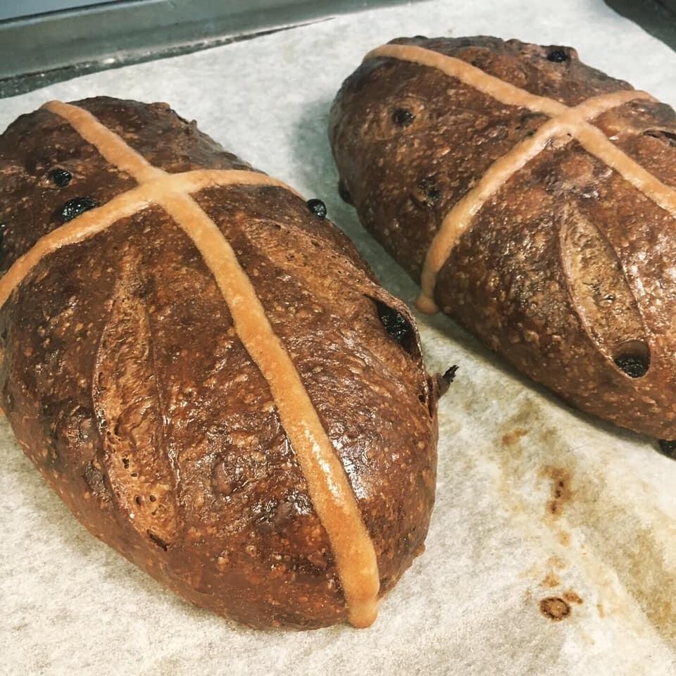 Hot Cross Loaves (v)