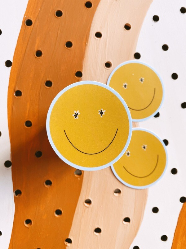 'Daisy smiley' sticker