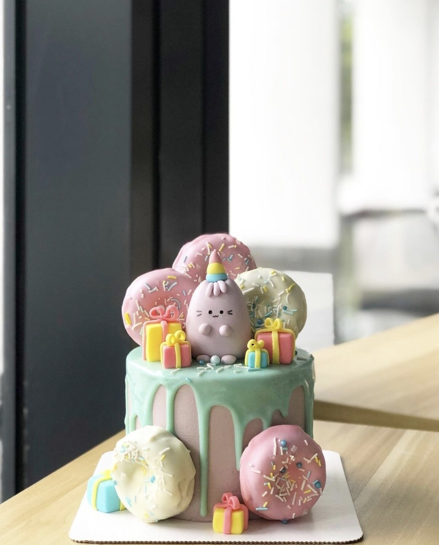 Cat Cake 1 - Pusheen