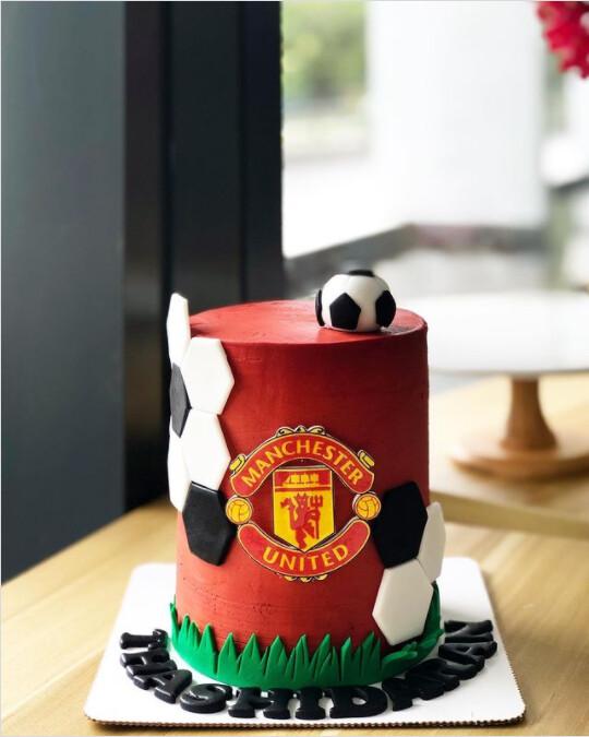 Football Cake 3