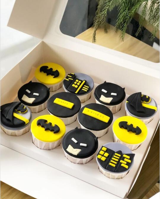 Marvel Avengers Superhero Batman Cupcakes