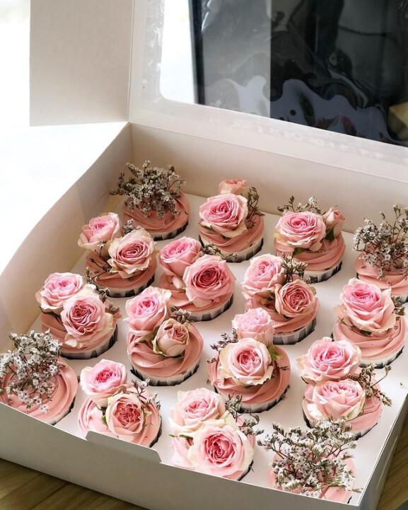 Garden Rose Cupcake