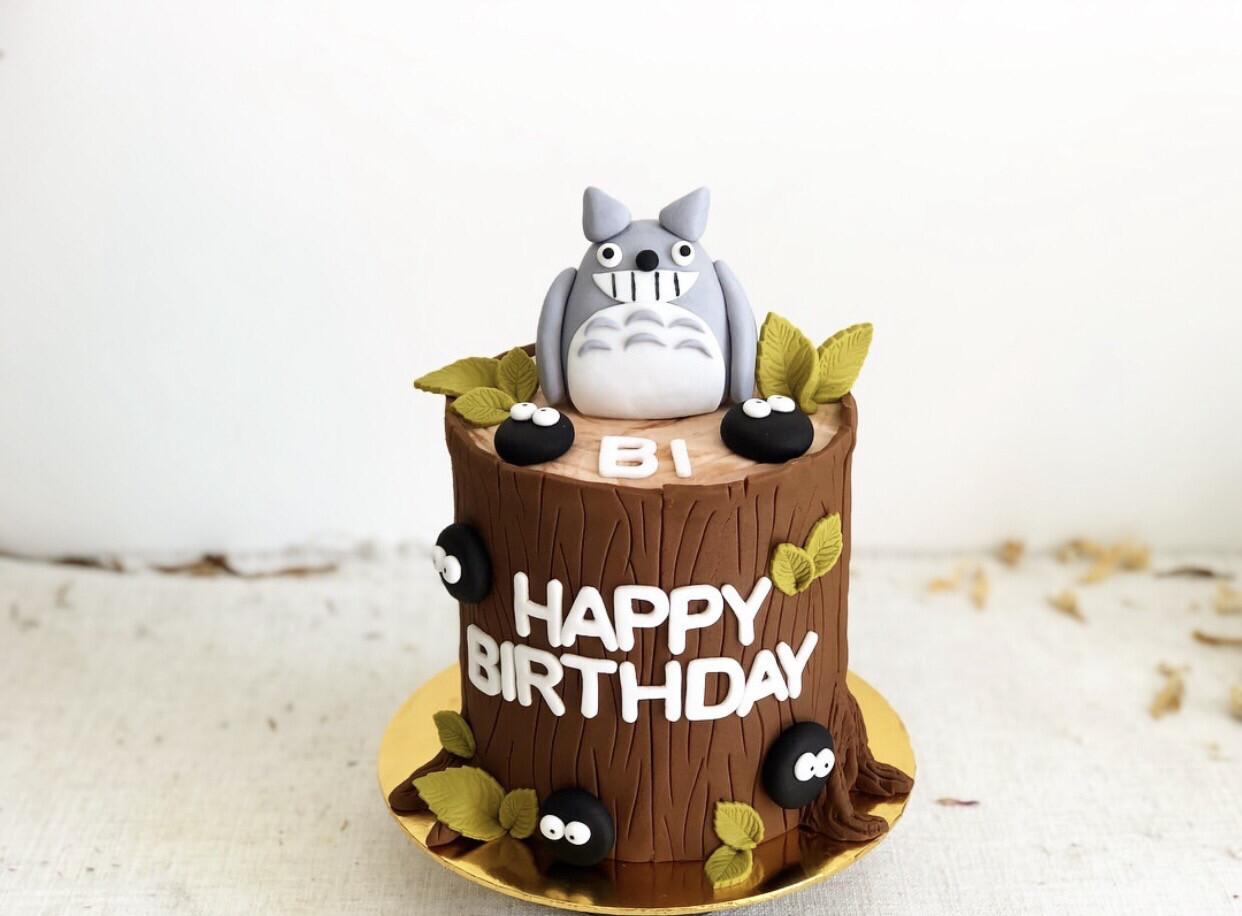 Totoro Cake 1
