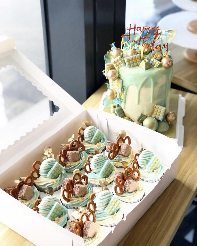 Baby Blue Gold Cake