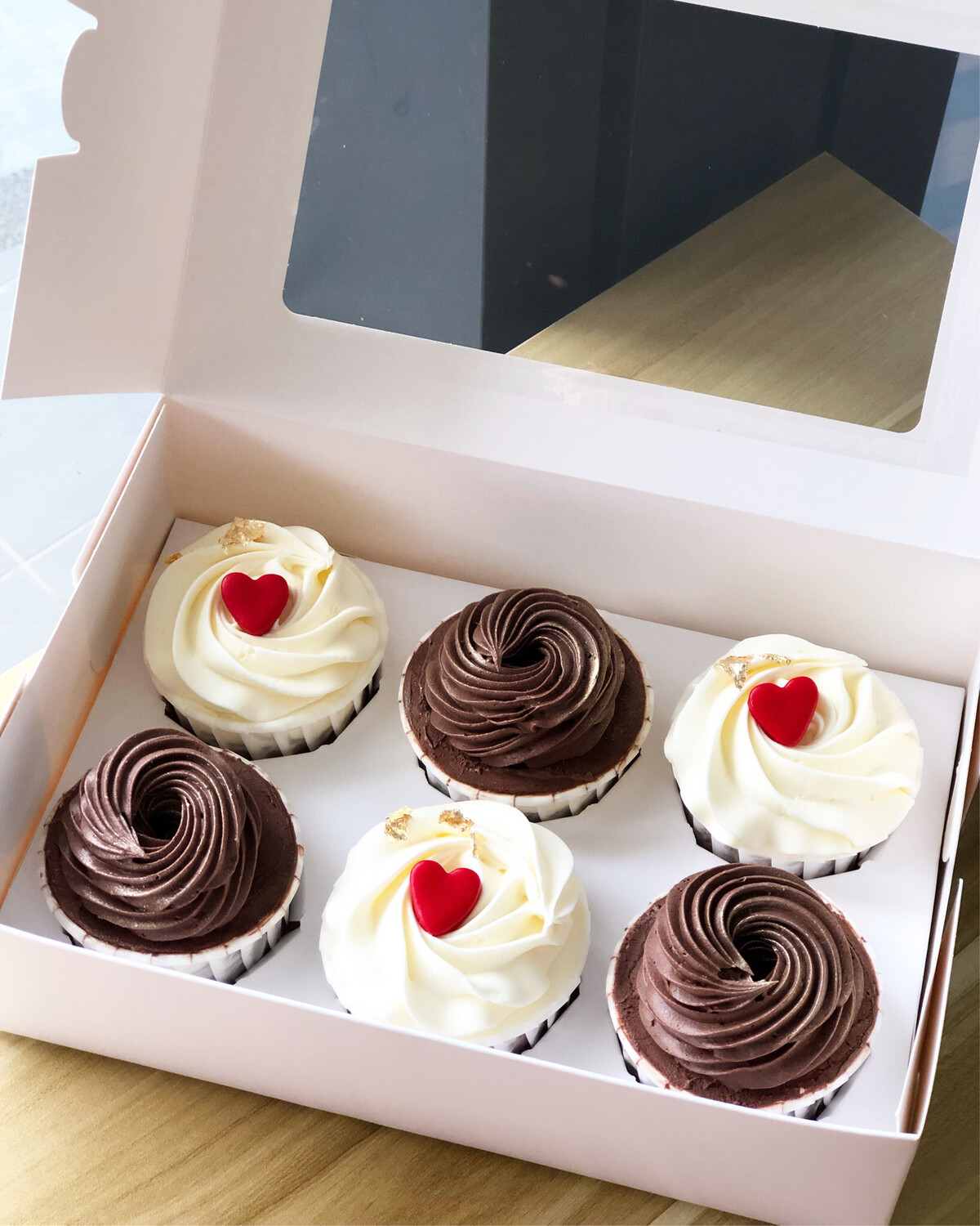 Couple Relationship Love Simplicity Cupcakes 2