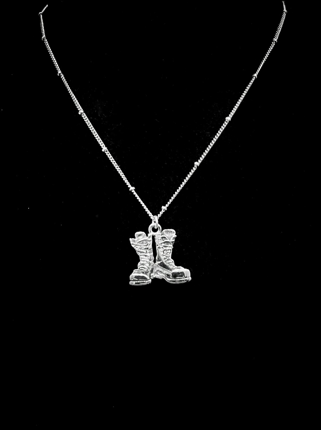 Close to our Hearts Necklace Boots Stainless Steel 19mm