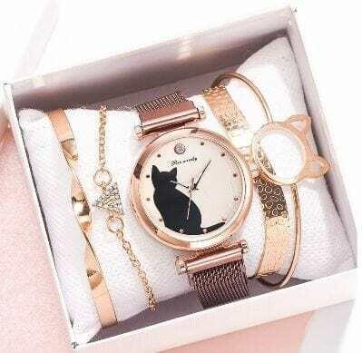 Luxurious Watch with bracelets, Women