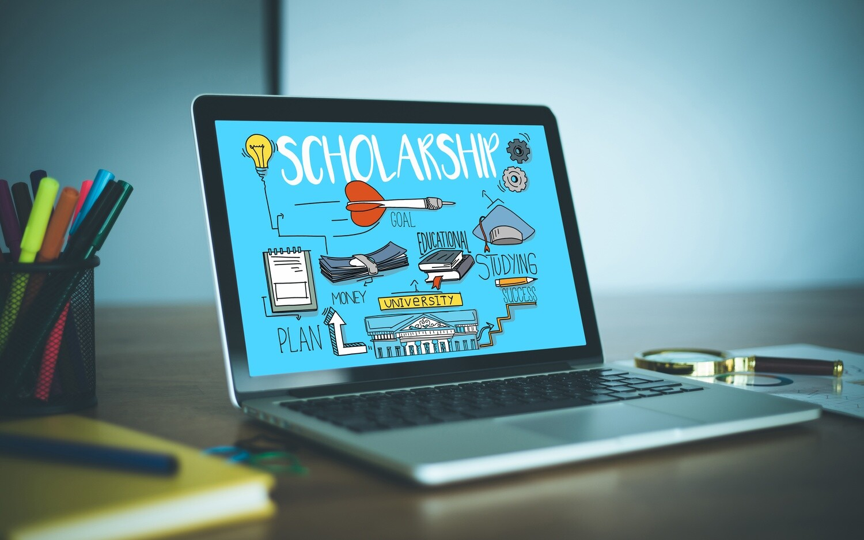 Squeaks Razor Laptop + Scholarship