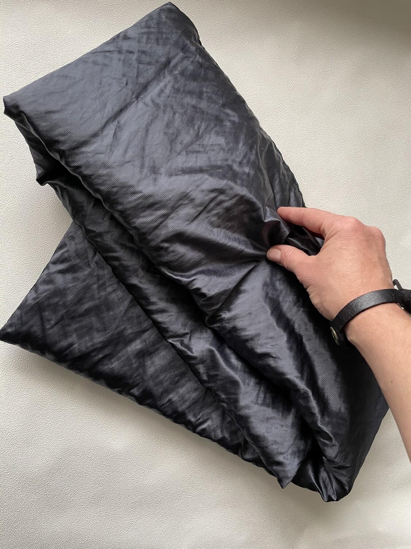 LABAKHUA Чёрный дутый шарф с лёгким отливом