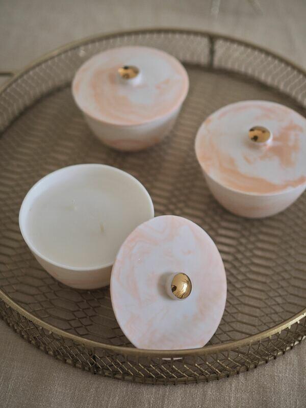 REVERI porcelain.Ароматическая свеча c ароматом Амаретто