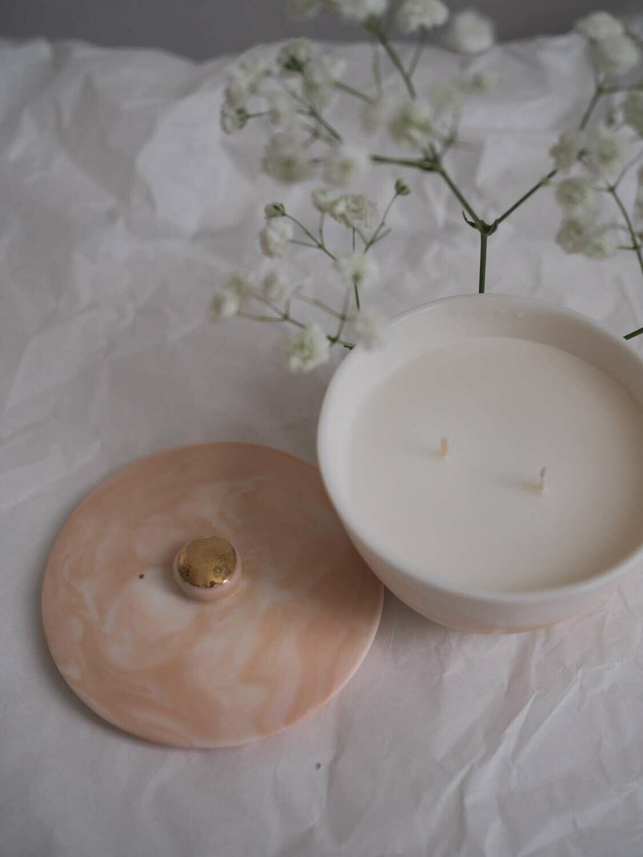 REVERI porcelain.Ароматическая свеча c ароматом ванили