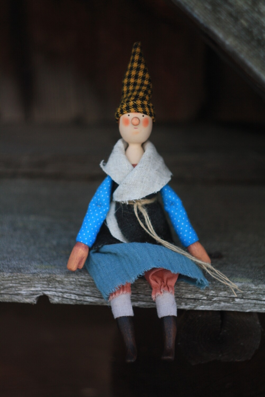 Нюра Волкова. Деревянная куколка  «Фрау Марта»