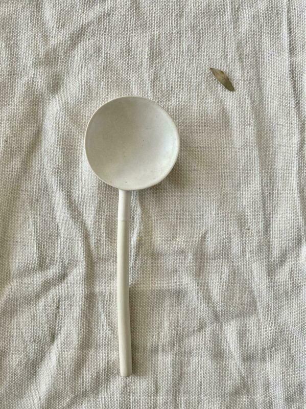 Bemyclay.Круглая глубокая керамическая ложка
