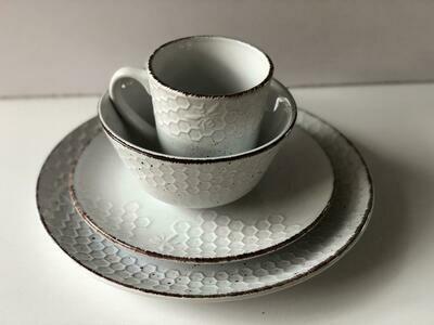 Ceramic dinner set 16 piece with 4bowls,4sideplates,4bowls,4dinner plates -K9