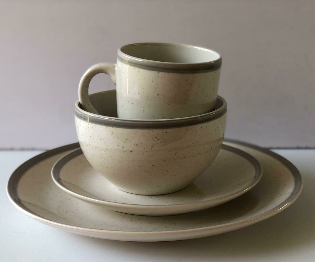 Ceramic dinner set 16 piece with 4bowls,4sideplates, 4mugs, 4dinner plates-K21