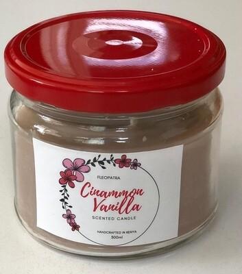 Fleopatra scented candle cinammon and vanilla
