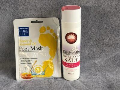Bath Packs- Himalayan Salt Bath shower Gel PLUS Escenti Cool Feet Mask