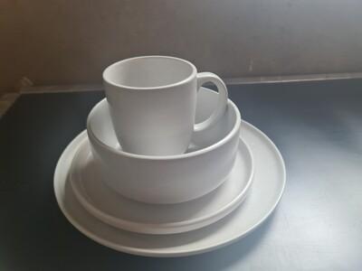 Stoneware Diner set for single people