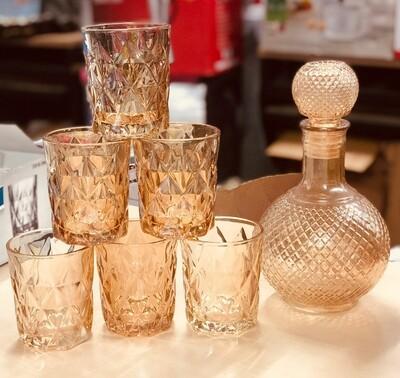 Gold Whisky Glasses plus decanter 7pc set