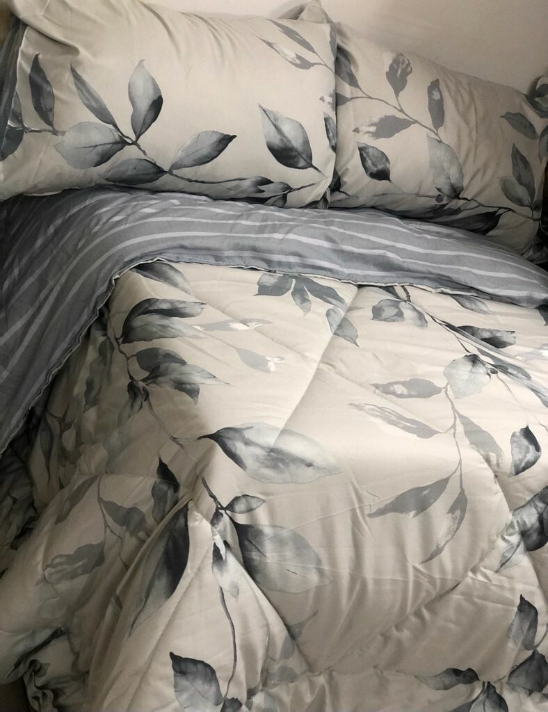 CIH comforter with 1 flat sheet,2 pillow cases Cotton 140GSM 7*6 Extra king size.