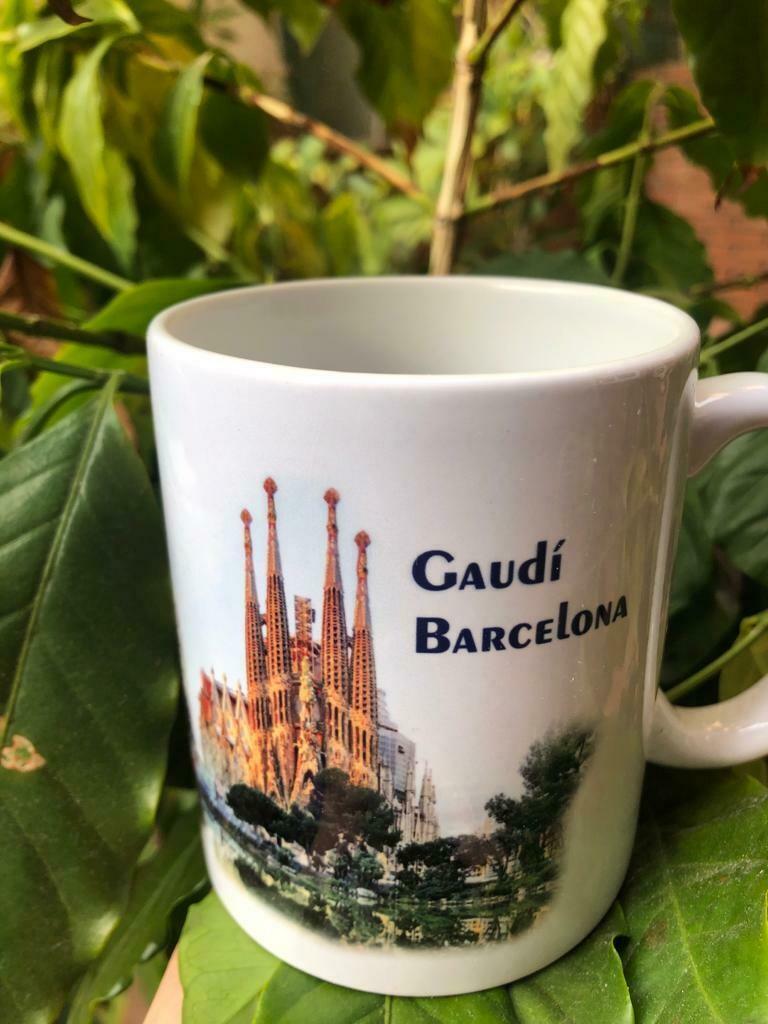 Barcelona Mug by BRACAFE / Taza Barcelona de BRACAFE