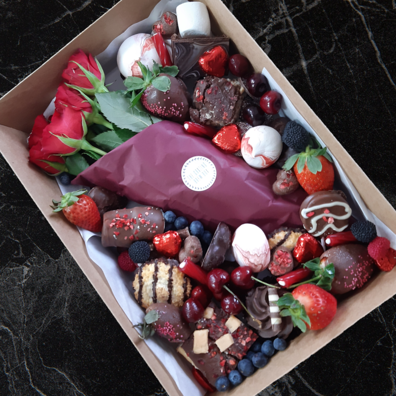 Small  Dessert Box  (1-2 People) with seasonal flowers (12th - 14th March ONLY)