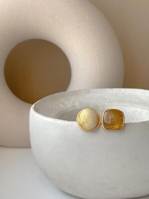 Двойное кольцо с янтарем, размер 18,5