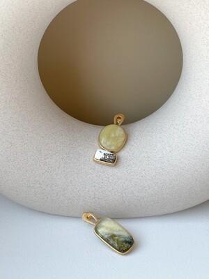 Позолоченные асимметричные серьги с янтарем