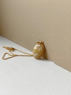 Позолоченная подвеска с янтарем. (35 см, 3.44 гр)