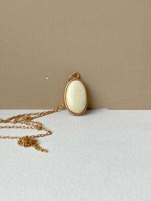 Позолоченная подвеска с янтарем. ( 50 см. 6.19 гр. )