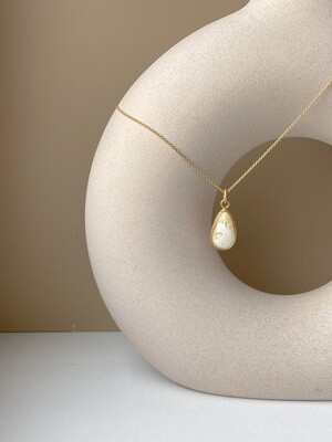 Позолоченная подвеска с янтарем. (35 см, 3.66 гр)