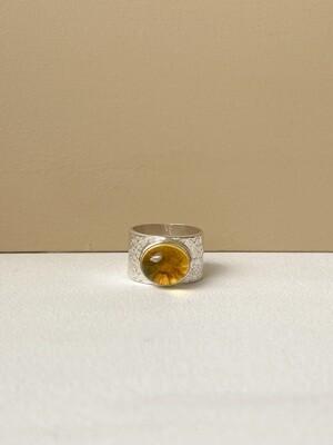 Серебряное кольцо с янтарем, размер 16