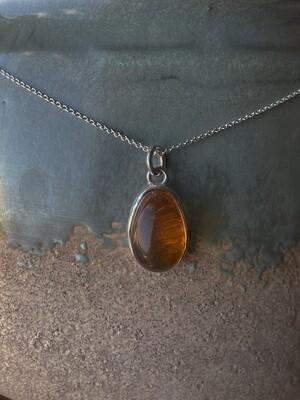 Серебряная подвеска с янтарем& 4.73 гр