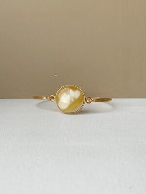Позолоченный браслет с пейзажным янтарем, размер 18