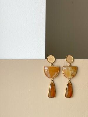 Позолоченные серьги пусеты с янтарем. 14.63 гр.