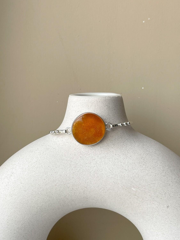 Серебряный браслет с янтарем, размер 17