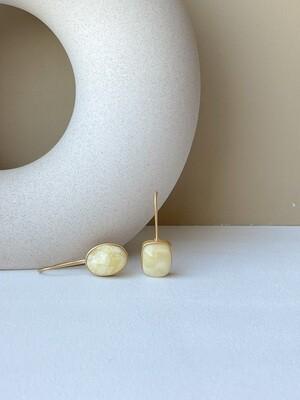 Асимметричные серьги с янтарем Вес 6,16 гр.