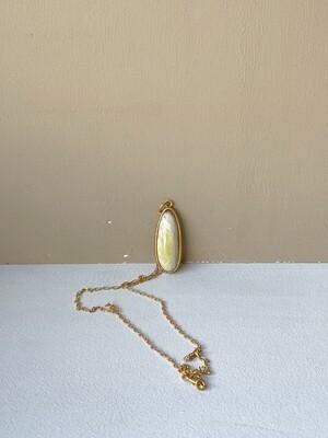 Позолоченная подвеска с янтарем. (45 см 6,31гр)