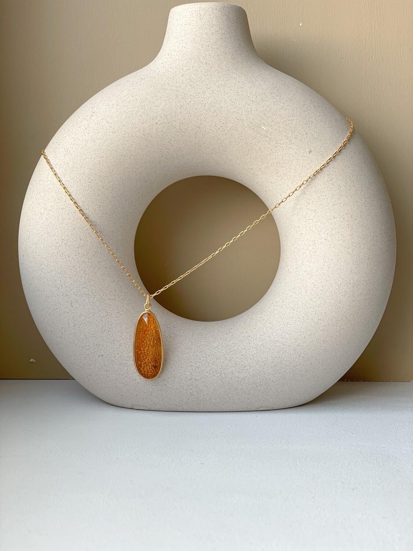 Позолоченная подвеска с янтарем. (46 см 6,37гр)