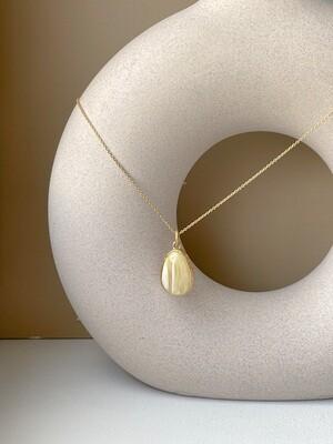 Позолоченная подвеска с янтарем. (41 см 4.55гр)