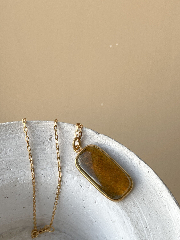 Позолоченная подвеска с янтарем. (45 см 6,46гр)