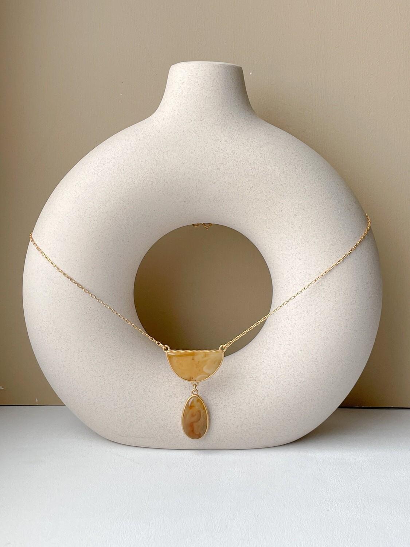 Позолоченная подвеска с янтарем. (50 см 8гр)