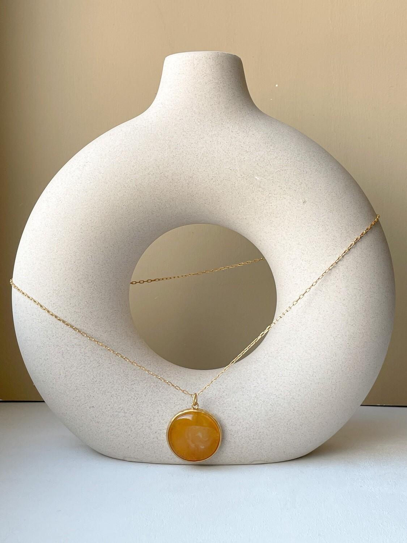 Позолоченная подвеска с янтарем. (50 см 8,66гр)